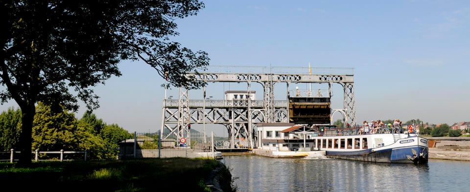 Visitez le Canal du Centre historique