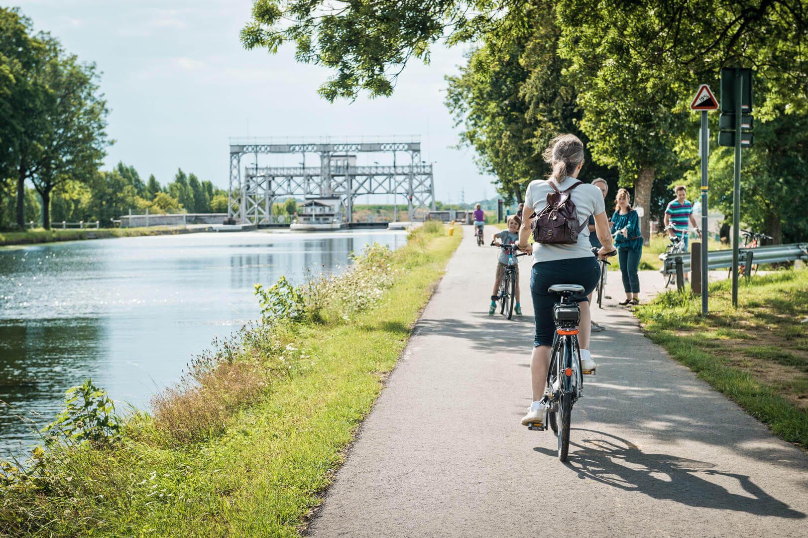 Location de vélos à la découverte des ascenseurs à bateaux
